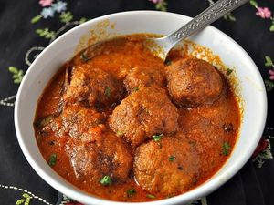 Kashmiri Kofta Curry