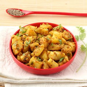 Delicious Homemade Aloo Bhaji by Cooking Teach
