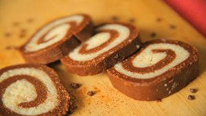 Biscuit Swiss Roll Recipe by Cooking Teach